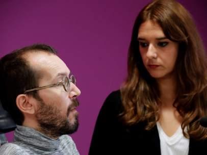 Rueda de prensa de Pablo Echenique y Noelia Vera.