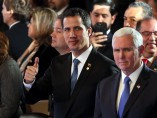 Juan Guaidó junto a Mike Pence