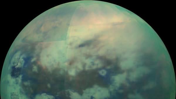 Titán, la luna más grande de Saturno.