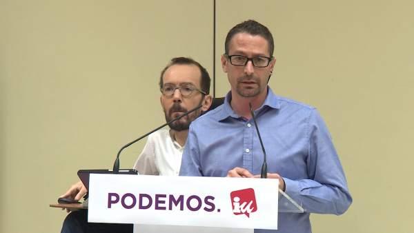 Los secretarios de Organización de Podemos e IU, Pablo Echenique e Ismael González, en una comparecencia.