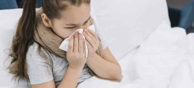 ¿Cómo distingo si mi hijo tiene alergia o un resfriado?