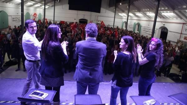 Alberto Garzón, Sol Sánchez y Mauricio Valiente, en un acto el pasado viernes.