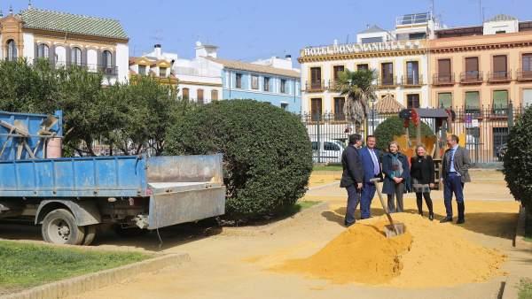 Juan Carlos Cabrera visita las obras de los Jardines de Murillo