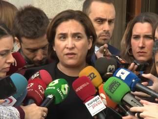 """Colau: """"PSOE vuelve a ceder a las presiones de los fondos inmobiliarios"""""""