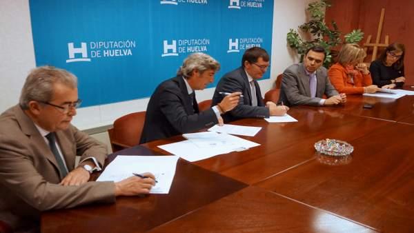 Diputación asegura el adelanto a los ayuntamientos merced al crédito suscrito de