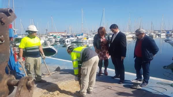 Visita a las  obras del Varadero del puerto de San Pedro
