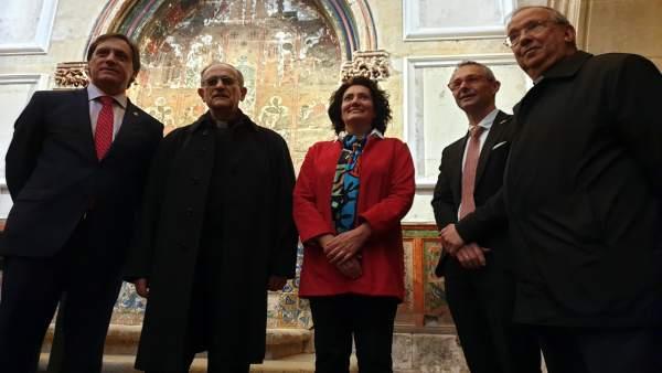Descubren unas pinturas murales del XIII 'ocultas' tras un retablo renacentista