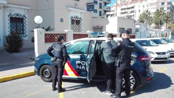 LA POLICÍA NACIONAL DETIENE EN DENIA A UN JOVEN ACUSADO DE ESTAFAR A CINCO PERSO
