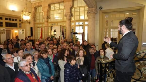 Más de 1.500 personas participan en la jornada de puertas abiertas del Parlament