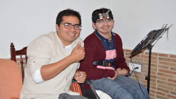 Luis Enrique Bustamante publica su segundo libro