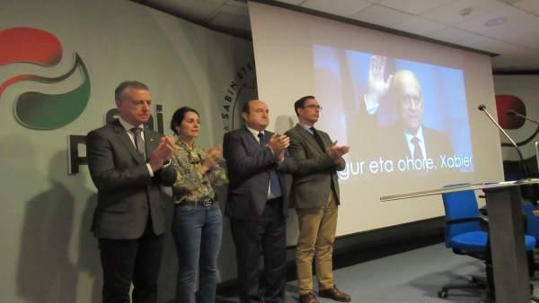 El PNV dice que el 'legado' de Arzalluz es seguir 'levantando' Euskadi y 'constr