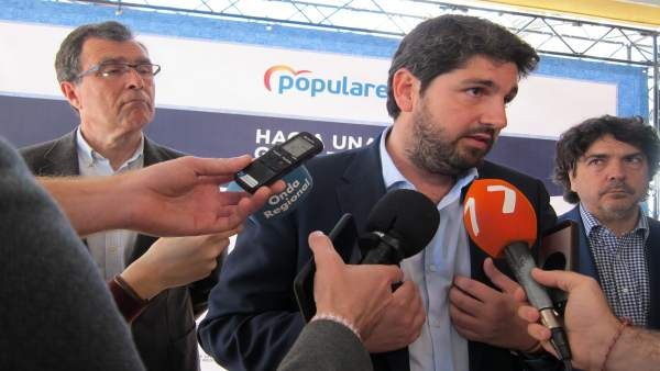 López Miras anuncia transporte gratuito para los alumnos de Bachillerato a parti