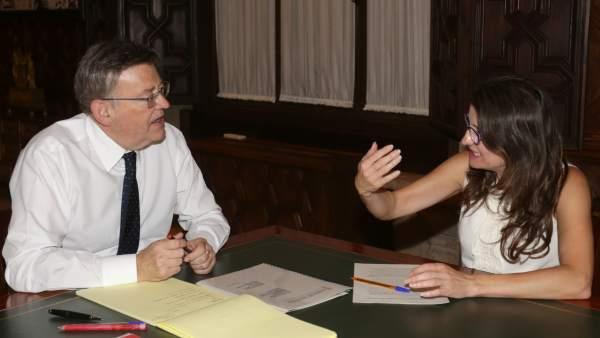 Puig y Oltra, en una reunión en el Palau