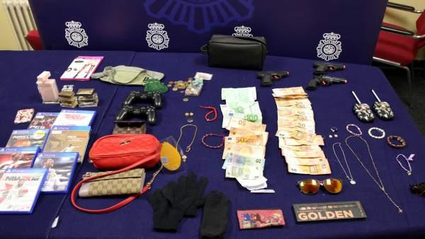 Dos mujeres detenidas por varios robos con fuerza en viviendas en Zaragoza