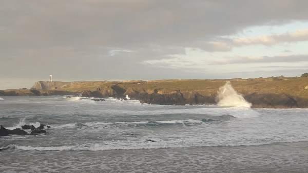 Olas en la playa de Meirás, Valdoviño (A Coruña) temporal, oleaje - ARCHIVO