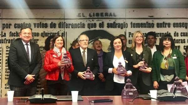 Pío Zelaya, Pepa Bueno, Mª J. Pintor, M. Domínguez, Encarna Samitier y Rosario Zanabria.