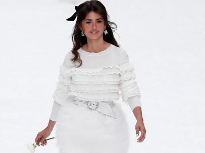 Penélope Cruz desfila para Chanel