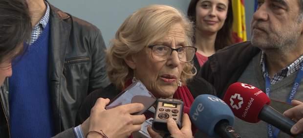 Manuela Carmena compareciendo ante los medios.