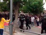 Las supuestas patadas a Guardias Civiles durante el 1-O