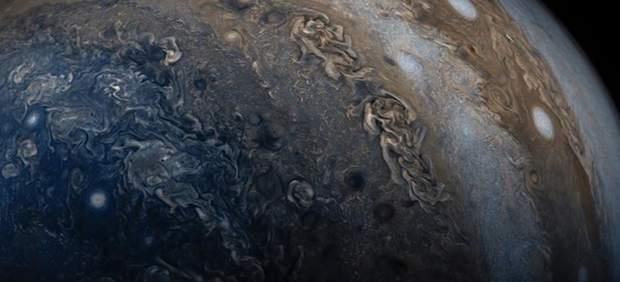 """La misión Juno revela nuevos datos """"desconcertantes"""" sobre Júpiter"""