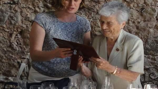 Fwd: Np Homenaje Primeras Mujeres Notario De La Comunitat