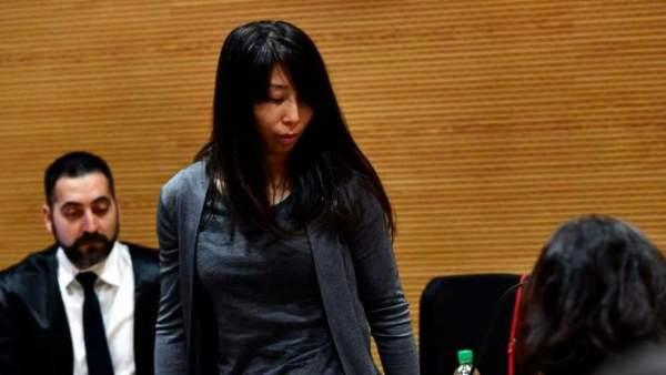 La Fiscalía retira la prisión permanente a la mujer que asesinó a su hijastro a golpes con un palo