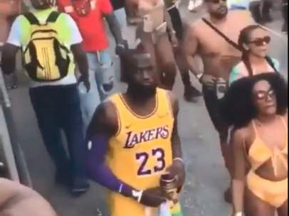 El falso LeBron James del carnaval de Brasil