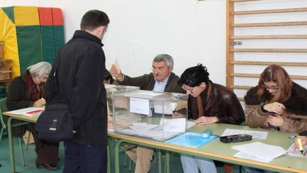 28A.- El Ayuntamiento de Toledo expondrá el censo electoral para consultas y rec