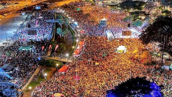 El Carnaval de Santa Cruz bate récord con 400.000 personas en la zona del cuadrl