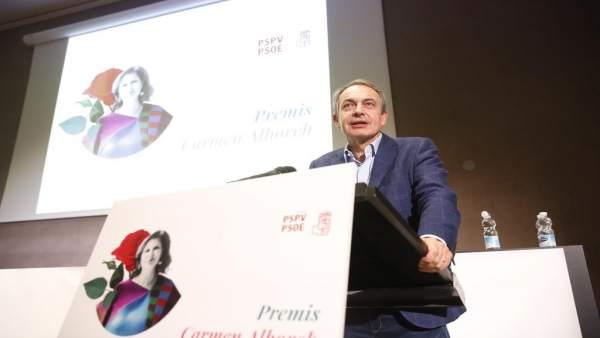 Zapatero critica la idea de una intervención militar en Venezuela: 'solo provoca