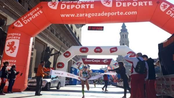 Zaragoza.- Más de 3.000 personas cruzan la meta en la XXII EDP Media Maratón 'Ci