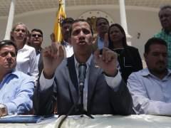 El jefe del Parlamento, Juan Guaidó durante una rueda de prensa en el Palacio Federal Legislativo.
