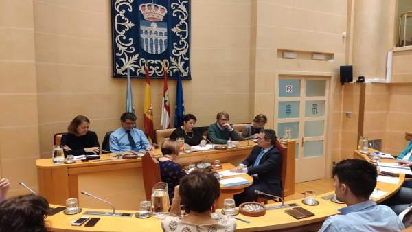 El Ayuntamiento de Segovia aprueba los presupuestos de 2019 gracias a la abstenc