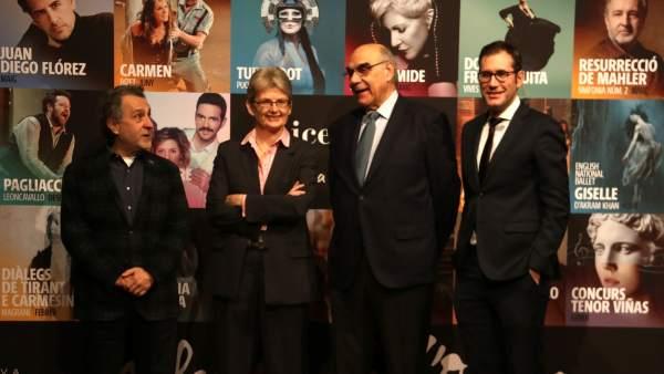 Josep Pons, Christina Scheppelmann, Salvador Alemany y Valentí Oviedo en el estreno de la nueva temporada del Liceu.