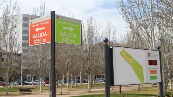 El Ayuntamiento de Monzón señaliza dos circuitos de 'running' en el Parque de La