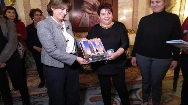 Delgado asegura que 'se quitarán los lazos amarillos' de las instituciones catal