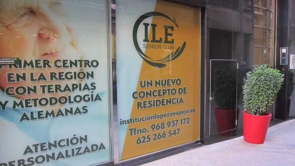 López Miras aclara que el local investigado por la Policía no es una residencia