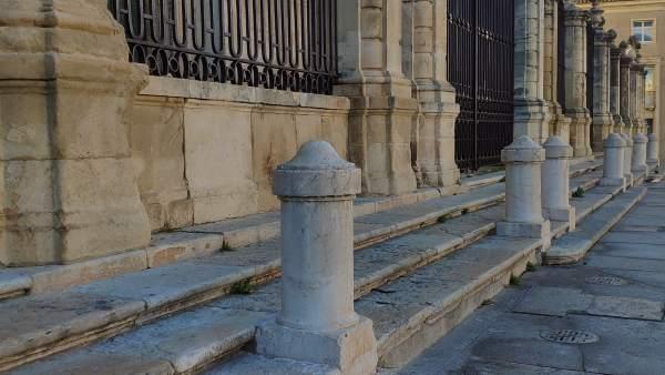 Jaén.- Restaurada la pilastra de la Catedral que resultó dañada por una rampa de