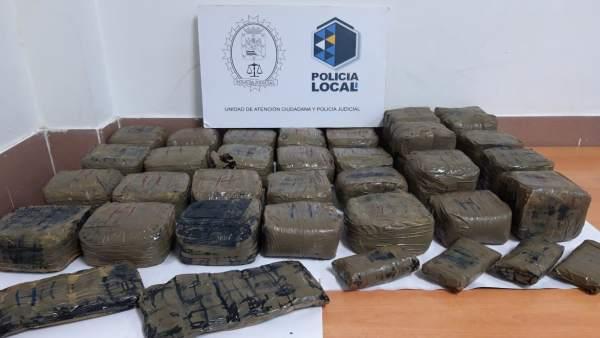 Sucesos.- Investigan el hallazgo de 20 kilos de hachís en las costas de Güímar (