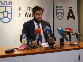 El presidente de la Diputación de Ávila asegura que el PP ha presionado a alguno
