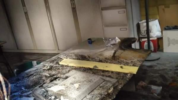 Un incendi en l'edifici vell de l'Ajuntament de Vilamarxant obliga a suspendre serveis