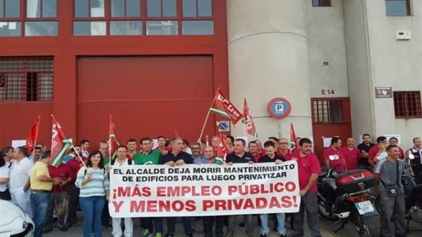 Sevilla.- CCOO avisa de una nueva contratación 'externa' para trabajos del servi