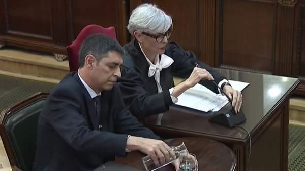Trapero empieza a contestar a Vox en el juicio del 'procés'.