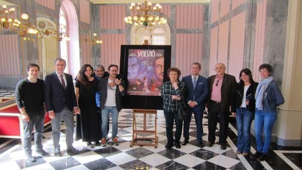 El Romea acoge el estreno nacional de la comedia 'Volvió una noche' con Carlos S
