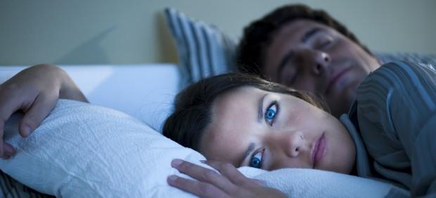 El 'vamping', el peor enemigo a la hora de dormir que va en aumento