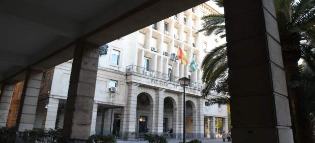 Exterior de la Audiencia Provincial de Sevilla