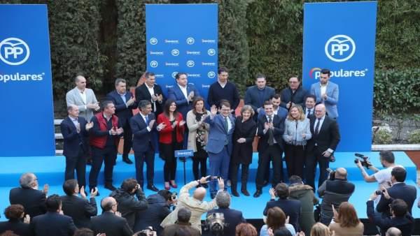 Fernández Mañueco confronta la 'estabilidad y moderación' del PP frente a la 'ra