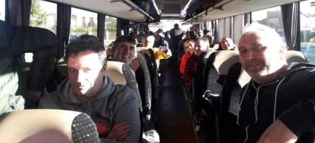Plantilla de La Naval parte desde Sestao hacia Madrid para plantearle a la minis