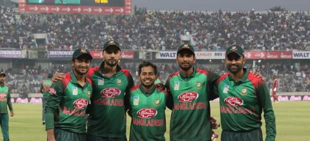 Jugadores de la selección de cricket de Bangladesh