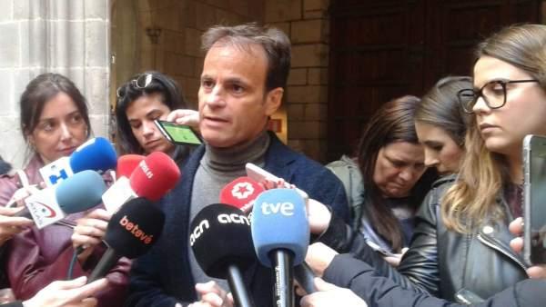 El Gobierno de Colau afirma que retiró el lazo amarillo para 'no alimentar polémica.